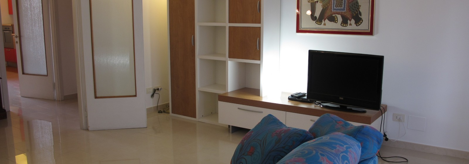 Appartamento 3 ampi vani arredato in zona Viale Corsica